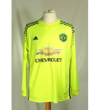 BNWT Adidas - Size: S - Green - Football top