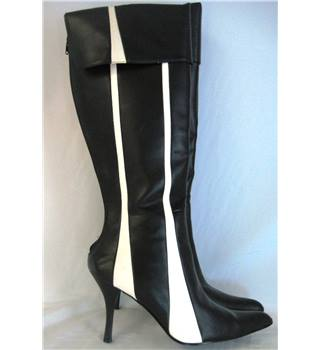 NWOT, Unbranded, size 8 black & white stiletto heeled knee high boots