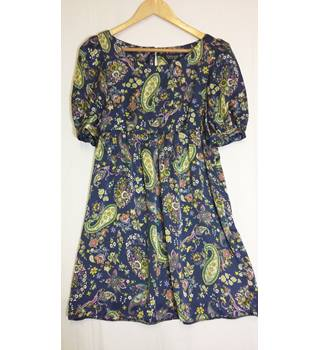 Topshop navy floral tea dress size 8 Topshop - Size: 8 - Multi-coloured