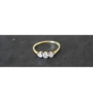 Vintage 18 carat gold and Three Stone Old Cut Diamond Ring