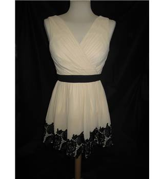 BNWT Little Mistress - Size: 10 petite- Cream - Cocktail dress