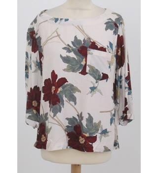 NWOT: M&S Size 10: Ivory mix floral print boxy top