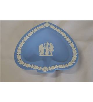 Wedgwood white-on-blue Jasperware heart-shaped dish/ashtray: Greek Gods