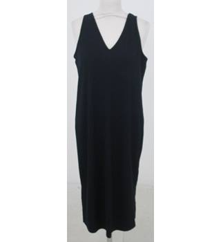 NWOT M&S Size:12 black sleeveless shift dress
