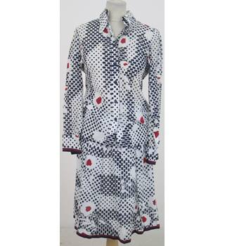 Mandarin Size:10 white, navy & red cotton skirt suit