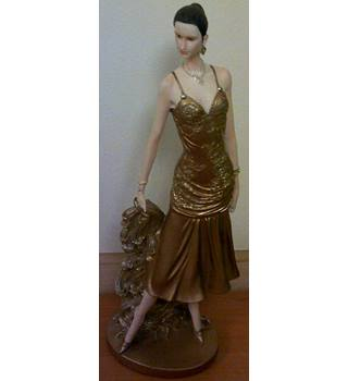 Leonardo Collection - Lady in Gold Figurine No.1