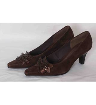 Rich brown leather high heel shoes from Gabor Gabor - Size: 3 - Brown