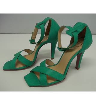 HERVER LEGER - Size: 6.5 - Green Leather - Sandals