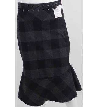 KAREN MILLEN Black/Grey Wool Check Knee-Length Skirt UK Size 10 / Euro Size 38