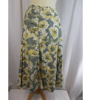 Fat FACE SIZE 8 SKIRT