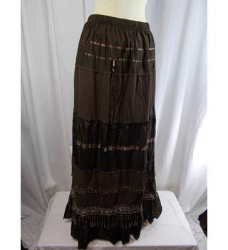 Peony Fashion size 12/14 long skirt