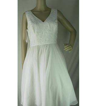 Ted Baker - White Dress With Pearl Bead Floral Design - Size 3