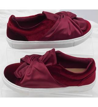 M&S Marks & Spencer - Size: 5 - Red - Slip-on shoes - BNWT