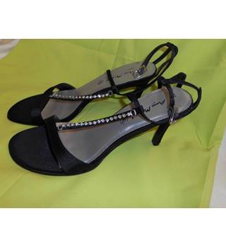 ANNE MICHELLE SHOES ANNE MICHELLE - Size: 6 - Black - Heeled shoes