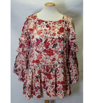 M&S Marks and Spencer Size 10 Red Petite Floral Top