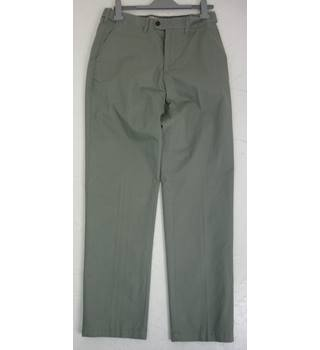 "M & S Size: M, 32"" waist, 33"" inside leg, regular fit Light Grey Casual/Stylish ""Stormwear"" Cotton Chinos With Active Waist"