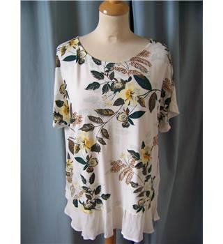 NWOT Per Una - Size: 14 - white with green & brown leaf print top