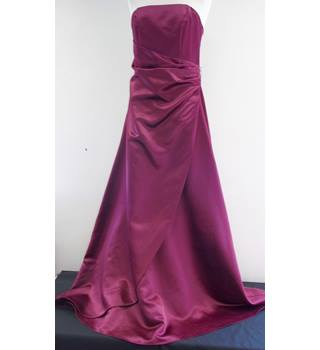Wedding Collection - Size: 12 - Red - Strapless dress