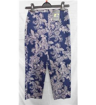 NWOT M&S Collection size 6 cropped blue with pink floral pants