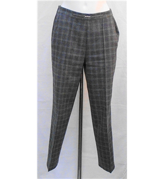 M&S size: 10S grey check trousers