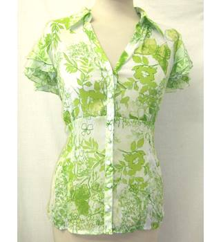 Per Una Size 14 White with Lime Green Floral Crinkle Effect Button-Up Blouse