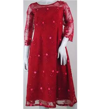 Unbranded size: 10 red lace bead embellished knee length dress