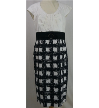 Karen Millen size: 16 black & white knee length dress