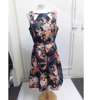 Women's floral f&f dress f&f - Size: 14 - Black - Knee length dress