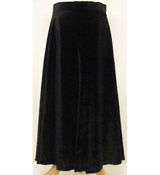 Cotton Traders - Size: 12 - Black - Long skirt