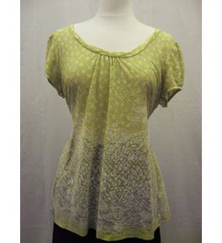 Per Una green patterned  t-shirt M&S Marks & Spencer - Size: 18 - Green - T-Shirt