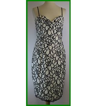 BNWT - Lipsy - Size: 12 - Black and ivory - Knee length dress