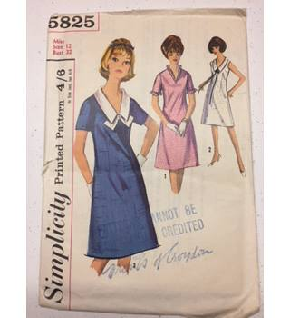 Simplicity Pattern 5825 Size 12 White