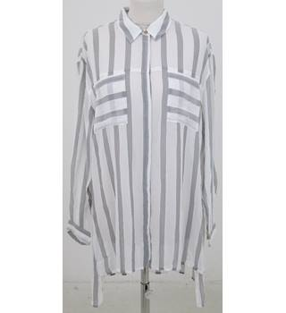 NWOT: Per Una: Size 14: Ivory & grey mix stripe over blouse
