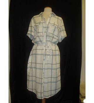 BNWT  Next  Size 16  White with large blue checks calf length  short sleeved linen mix Shirt dress with tie belt