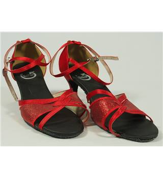 Rotate - Size: 7 red dance shoes