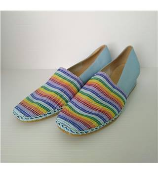 NWOT Barker - Size: 5 - Multi-coloured - Slip On Shoes