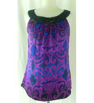 Wallis - size: 14, purple patterned sleeveless top
