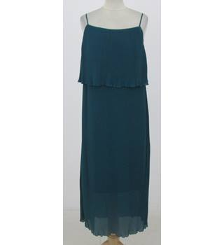 NWOT: M&S Collection Size 14 Regular: Green pleated maxi dress