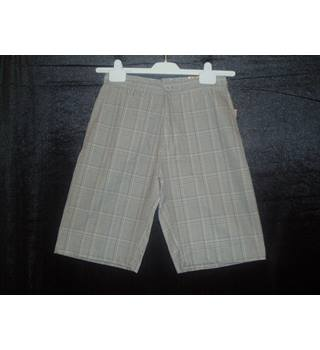 "BNWT  Burnside  Waist size 26""  Grey checked shorts"