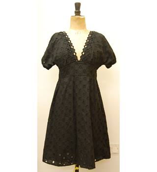 French Connection - Size 8 - Black - Dress