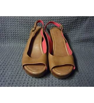 Boden - Size: 9 - Brown - Heeled shoes