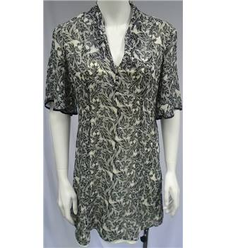 Ted Baker- Size 12 (Ted Baker size 3) Cream with Black Fern Pattern Dress