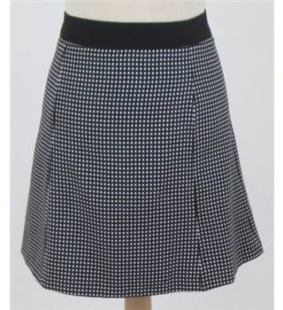 F&F - 14 - Black&white check skirt