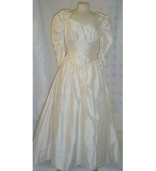 VINTAGE CATHERINE RAYNER CHAMPAGNE SILK WEDDING DRESS