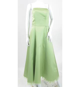 BNWT Rea - Size: 14 - Pistachio - Strapless Bridesmaid/Prom Dress With Net Ruffle