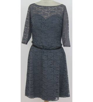 BNWT: Wtoo Size 10: Grey lace V-back cocktail dress