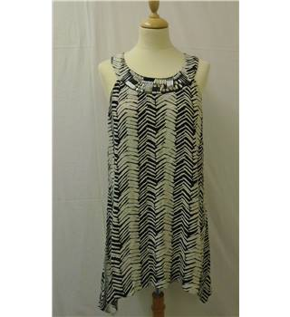 Wallis Size 14 - Black and white patterned with embellished neckline dress