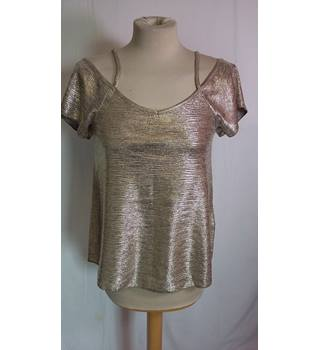 Peacocks metalic cold shoulder top size 8 Peacocks - Size: 8 - Metallics