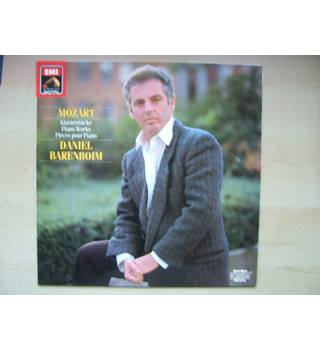 Mozart: Piano Works. Daniel Barenboim - EMI digital 27 0382 1.