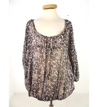 Cherished - Size 24 - Leopard print batwing blouse